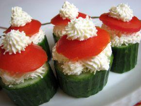 Снимка 3 от рецепта за Пълнени краставици с пастет от сирене Крема