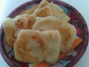 Снимка 2 от рецепта за Пълнени мекици със сирене