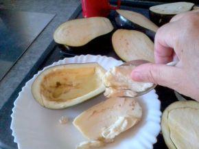 Снимка 3 от рецепта за Пълнени патладжани с кайма