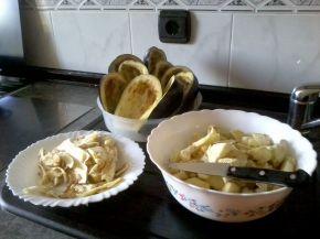 Снимка 4 от рецепта за Пълнени патладжани с кайма