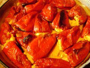 Снимка 2 от рецепта за Пълнени пиперки с яйца и сирене