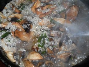 Снимка 2 от рецепта за Пълнено пиле с гъби и ориз