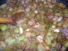 Снимка 2 от рецепта за Пържено свинско месо с праз
