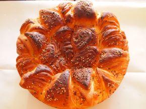 Снимка 4 от рецепта за Първомайска питка `Цвете`