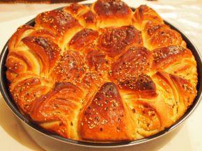 Снимка 5 от рецепта за Първомайска питка `Цвете`
