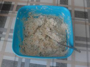 Снимка 3 от рецепта за Разядка с извара и магданоз