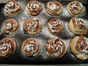 Снимка 10 от рецепта за Рози от ябълки