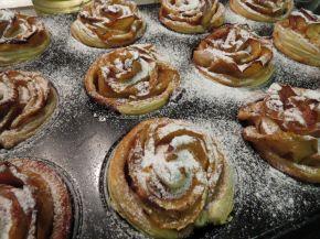 Снимка 8 от рецепта за Рози от ябълки