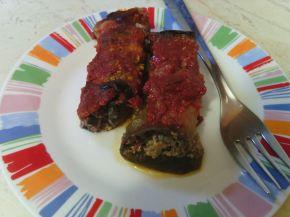 Снимка 2 от рецепта за Рулца от патладжан с домати и пиле