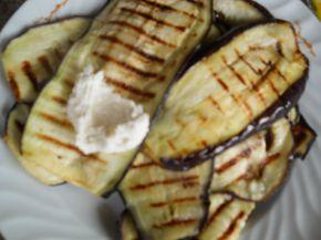 Снимка 2 от рецепта за Рулца от патладжан с плънка от извара и майонеза