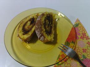 Снимка 2 от рецепта за Pуло със сладко от сливи, пудра захар и канела