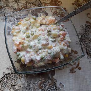 Снимка 4 от рецепта за Руска салата