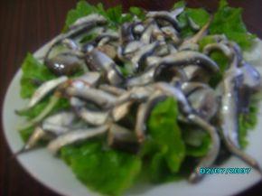 Снимка 2 от рецепта за Салата от маринована цаца
