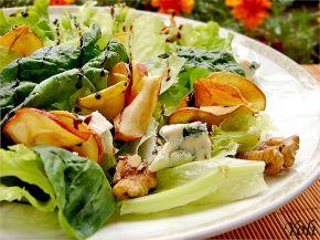 Снимка 1 от рецепта за Салата с ябълков чипс