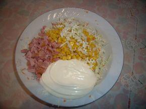 Снимка 2 от рецепта за Салата с пушено пуешко месо