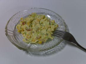 Снимка 2 от рецепта за Салата с ролца от раци