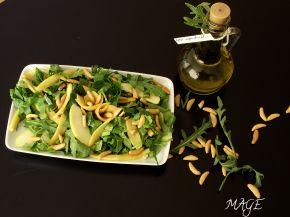Снимка 3 от рецепта за Салата с рукола, спанак, манго, ябълка и оризови ядки