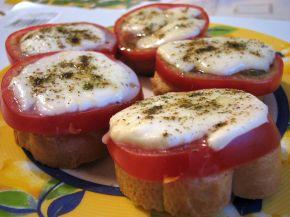 Снимка 1 от рецепта за Сандвич с домат и моцарела