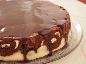 Снимка 8 от рецепта за Шарена  лесна торта с готови  рула