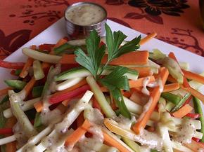 Снимка 3 от рецепта за Шарена салата с дресинг от горчица