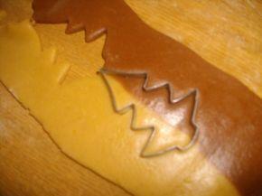Снимка 6 от рецепта за Шарени коледни меденки
