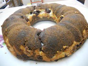 Снимка 2 от рецепта за Шоколадов кекс с череши и крема сирене