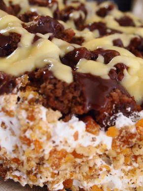 Снимка 3 от рецепта за Шоколадова Новогодишна торта