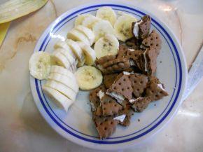 Снимка 2 от рецепта за Сладки чашки с шоколад и банан