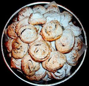 Снимка 3 от рецепта за Сладки `Охлювчета`