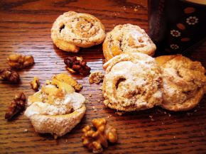 Снимка 4 от рецепта за Сладки `Охлювчета`