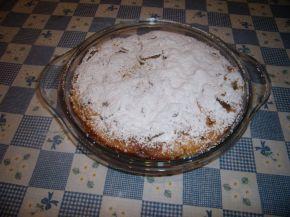 Снимка 3 от рецепта за Сладкиш с бисквити и ябълки