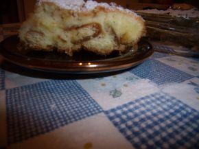 Снимка 4 от рецепта за Сладкиш с бисквити и ябълки