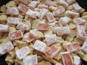 Снимка 2 от рецепта за Сладкиш с чаени бисквити и крема сирене