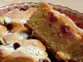 Снимка 2 от рецепта за Сладкиш с череши