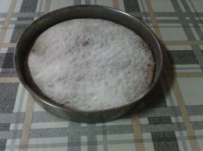 Снимка 3 от рецепта за Сладкиш със стъргани дюли и орехи
