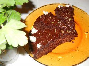 Снимка 4 от рецепта за Сладкиш с глазура от натурален шоколад с лешници