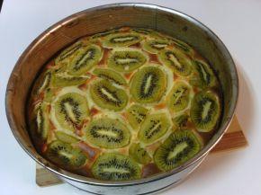 Снимка 3 от рецепта за Сладкиш с киви