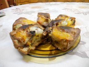 Снимка 2 от рецепта за Сладкиш с праскови и парченца шоколад
