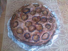 Снимка 2 от рецепта за Сладкиш със сини сливи и извара