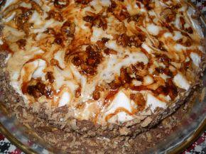 Снимка 2 от рецепта за Сметанова торта с карамелизирани орехи