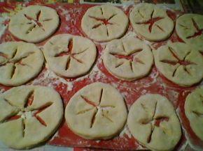 Снимка 10 от рецепта за Соленки със сирене