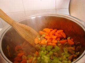 Снимка 4 от рецепта за Свинска яхния със зеленчуци