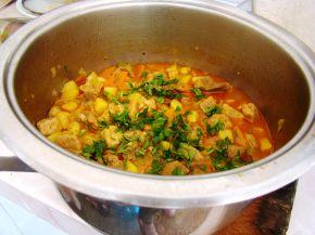 Снимка 7 от рецепта за Свинска яхния със зеленчуци