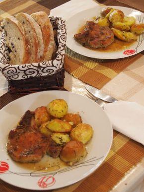 Снимка 3 от рецепта за Свински котлети с картофи