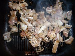Снимка 2 от рецепта за Свински  уши  на  тиган