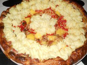Снимка 3 от рецепта за Тарта от бутер тесто с кайма и картофено пюре