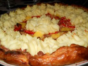 Снимка 4 от рецепта за Тарта от бутер тесто с кайма и картофено пюре