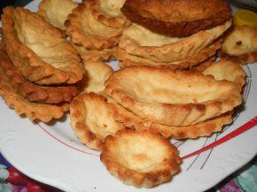 Снимка 5 от рецепта за Тарталетки с крема сирене и сметана