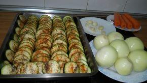 Снимка 2 от рецепта за Тиквички на фурна с кашкавал