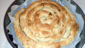 Снимка 2 от рецепта за Точена баница с масло и сирене
